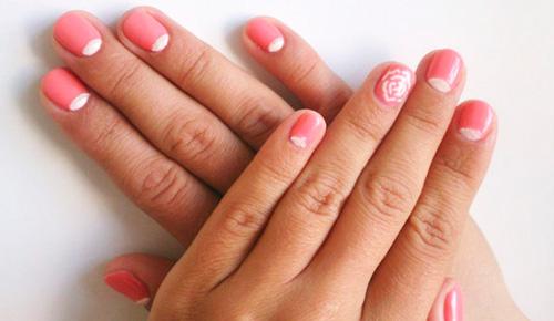 Модные тенденции для создания маникюра розовым гель лаком