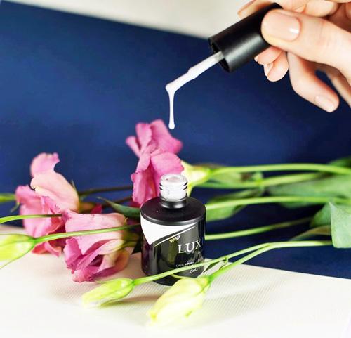 Особенности цветовой гаммы гель лаков Luxio и их преимущества