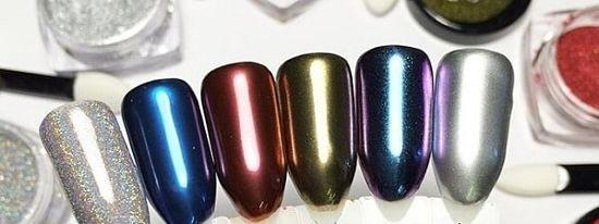 Разноцветные ногти с зеркальной втиркой
