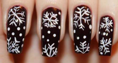 Белые снежинки на черном