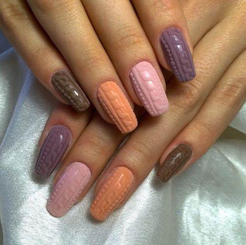 Дизайн ногтей «Бархатный песок»