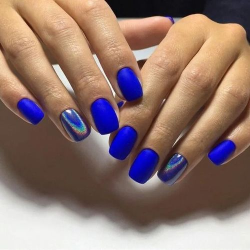 Маникюр - синий оттенок